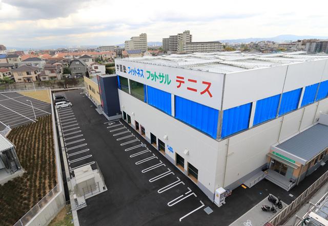 ノアジュニアテニスアカデミー茨木校の外観