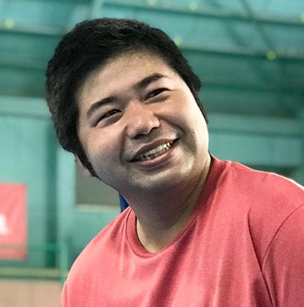 梅岡秀介コーチ